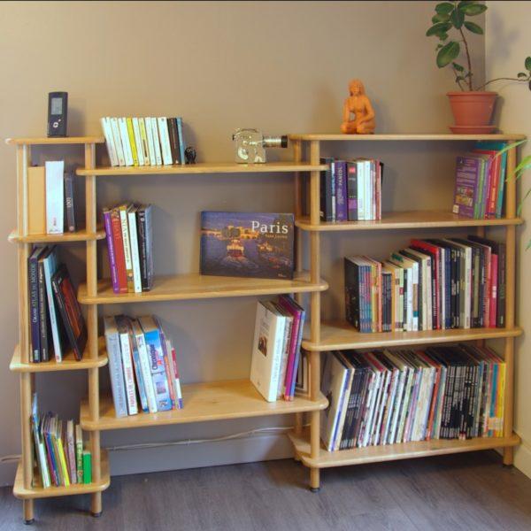 SOPHIA 134cm-Bibliothèque en bois massif modulable vue en situation