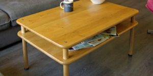Table basse robuste et durable en bois massif